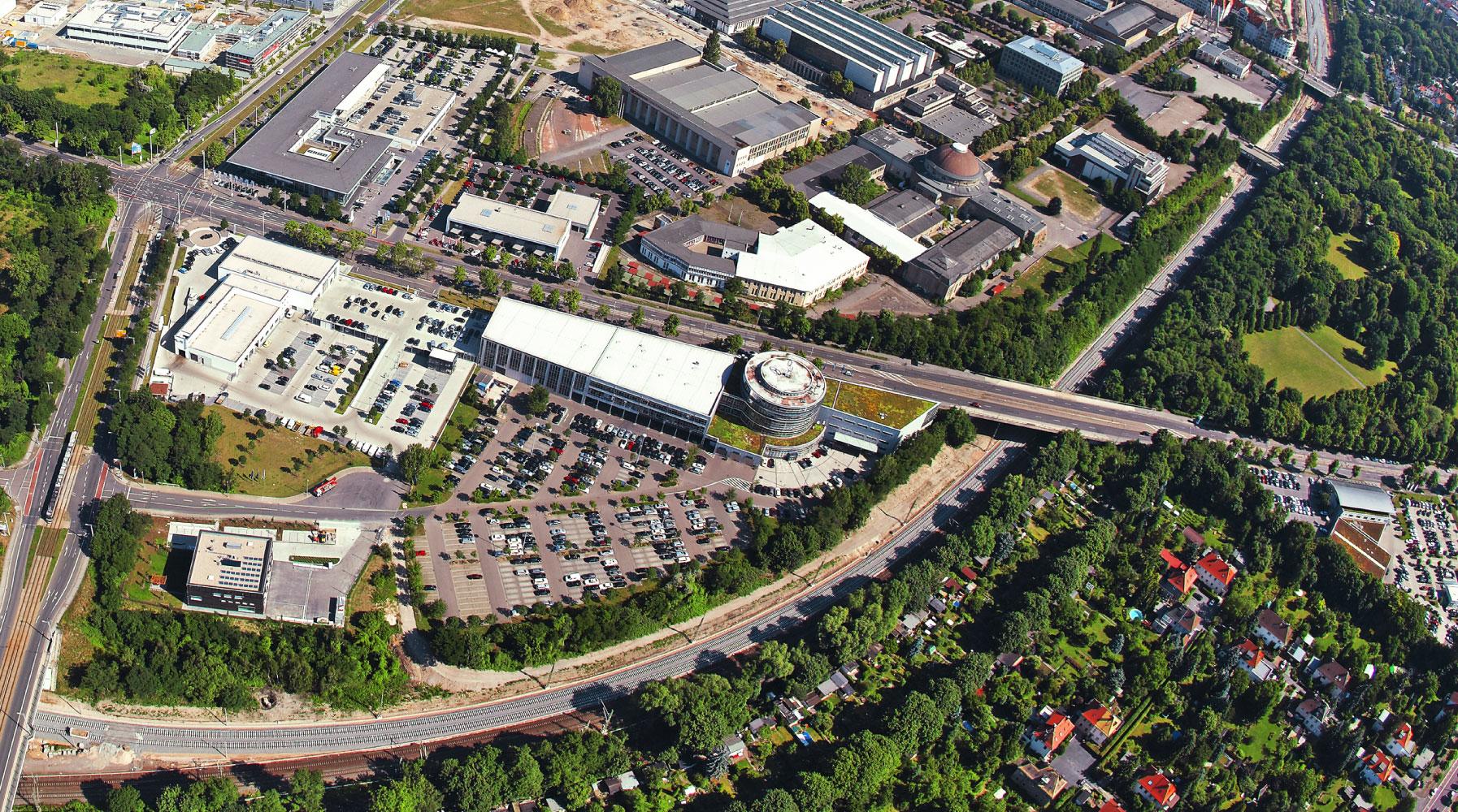 Luftbild der Automeile Leipzig